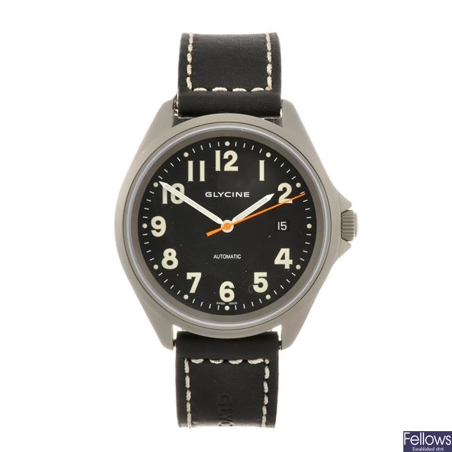 A stainless steel automatic gentleman's Glycine wrist watch.