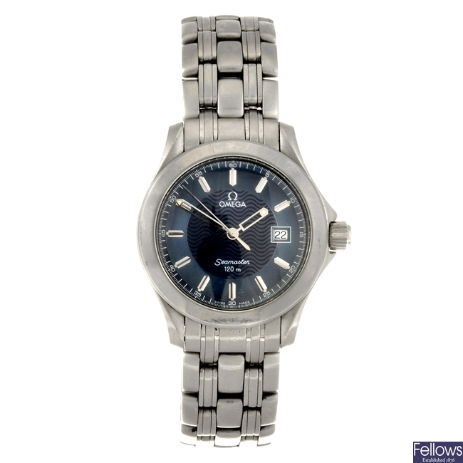 A stainless steel quartz gentleman's Omega Seamaster bracelet watch.