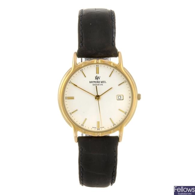 (41415) A gold plated quartz gentleman's Raymond Weil wrist watch.