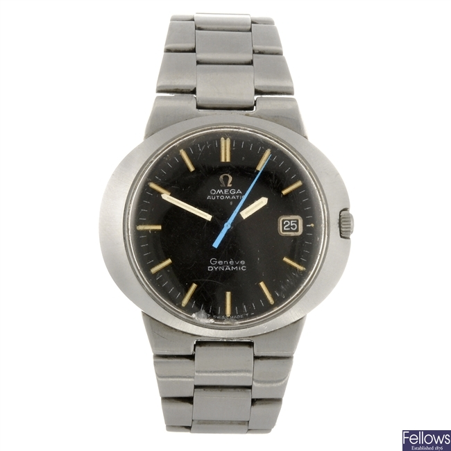 A stainless steel automatic gentleman's Omega Dynamic bracelet watch.