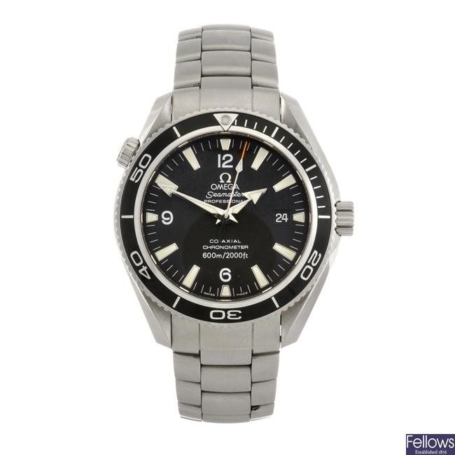 A stainless steel automatic gentleman's Omega Planet Ocean bracelet watch.