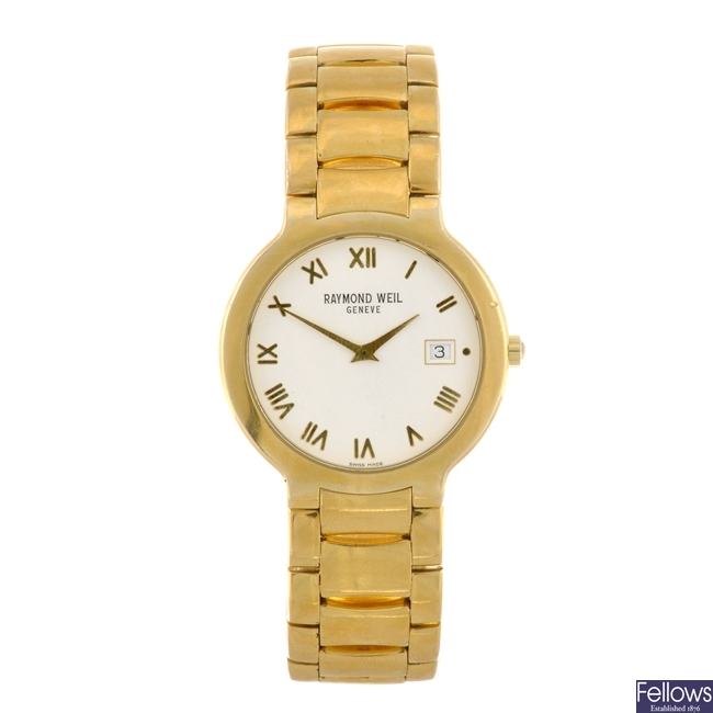 A gold plated quartz gentleman's Raymond Weil Chorus bracelet watch.