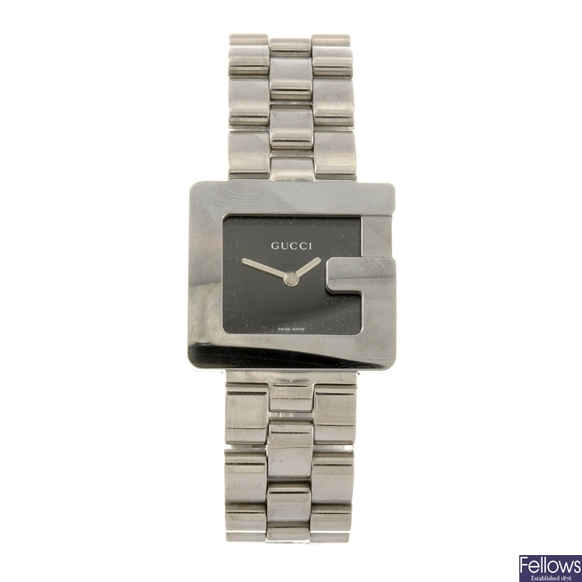 A stainless steel quartz lady's Gucci bracelet watch.