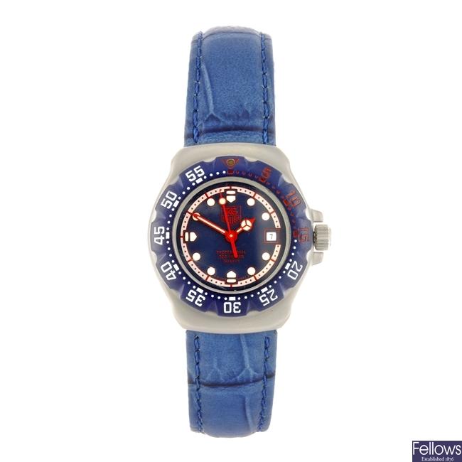 (954000877) A stainless steel quartz lady's Tag Heuer Formula 1 wrist watch.
