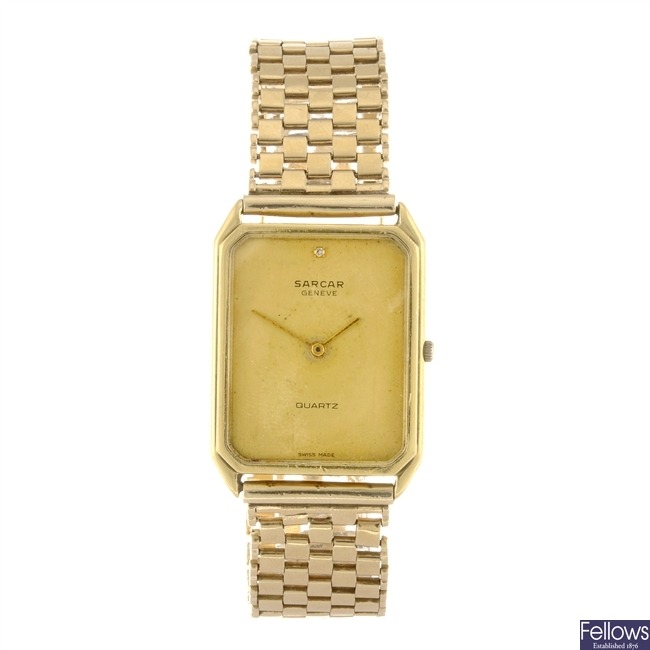 (6779) An 18k gold quartz gentleman's Sarcar bracelet watch.