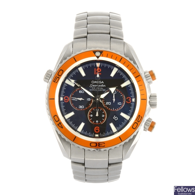 (409022734) A stainless steel automatic chronograph gentleman's Omega Planet Ocean bracelet watch.
