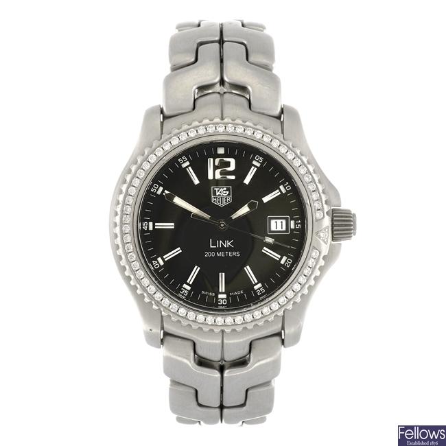 (205155215)  A stainless steel quartz gentleman's Tag Heuer Link bracelet watch.