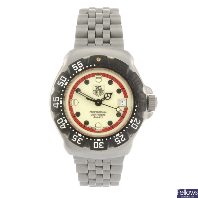 (410020609) A stainless steel quartz lady's Tag Heuer Formula 1 bracelet watch.