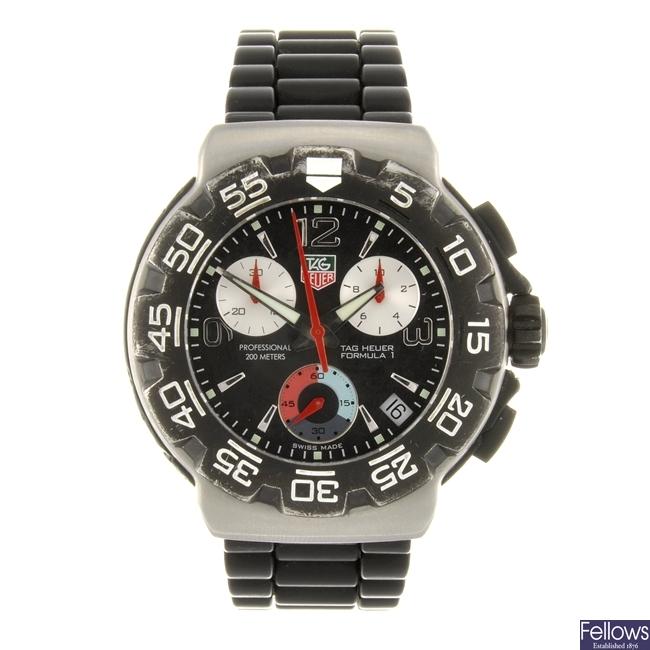 (98504) A stainless steel quartz chronograph gentleman's Tag Heuer Formula 1 wrist watch.