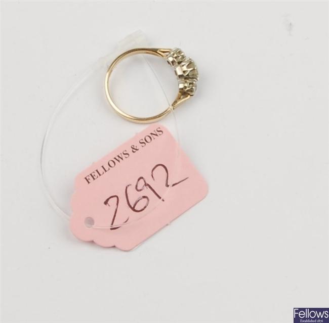 (1102019455) 9ct triple stone ring