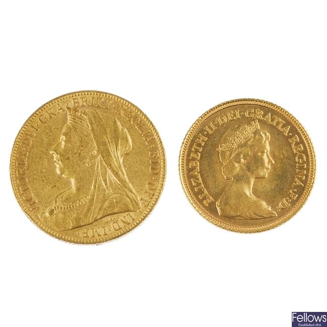 A Sovereign 1899 and a Half Sovereign 1982.
