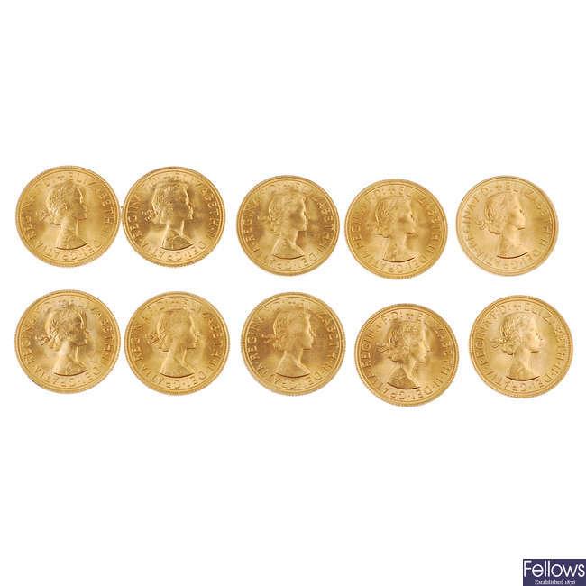 Elizabeth II, set of 10 Sovereigns.