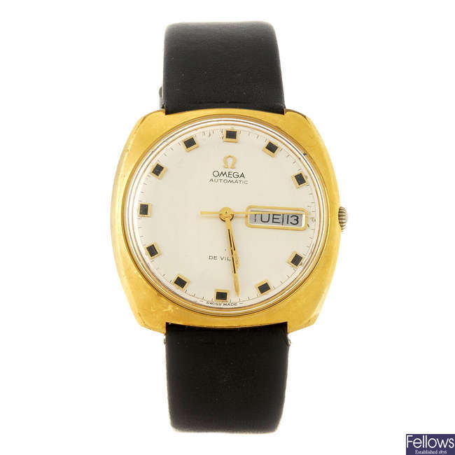 OMEGA- a gentleman's De Ville bracelet watch.
