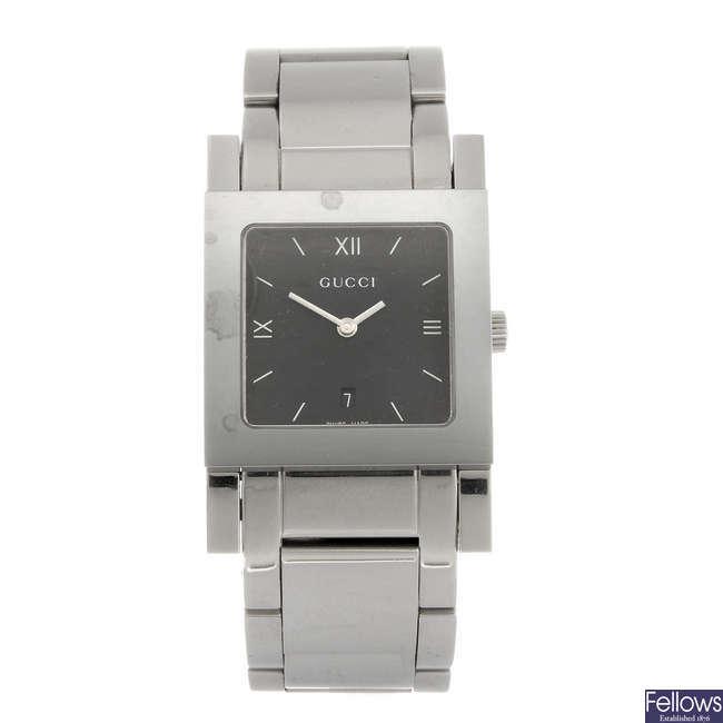 GUCCI - a gentleman's 7900M.1 bracelet watch.