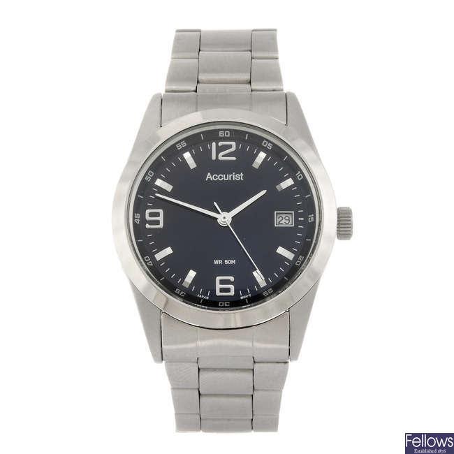 ACCURIST - a gentleman's bracelet watch.