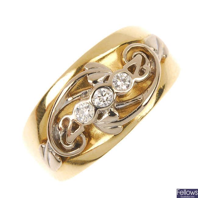 CLOGAU - an 18ct gold diamond dress ring.