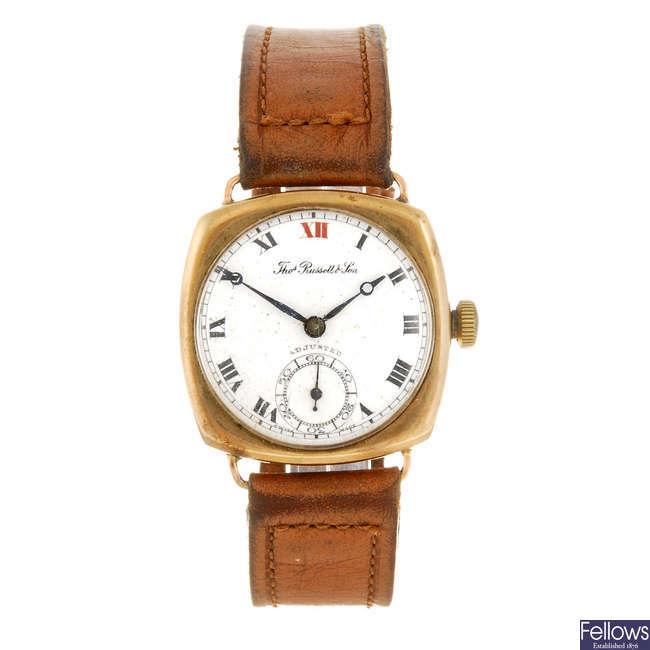 THOMAS RUSSELL & SON - a gentleman's wrist watch.