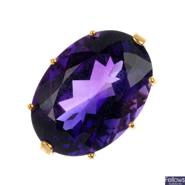A 9ct gold amethyst single-stone ring.