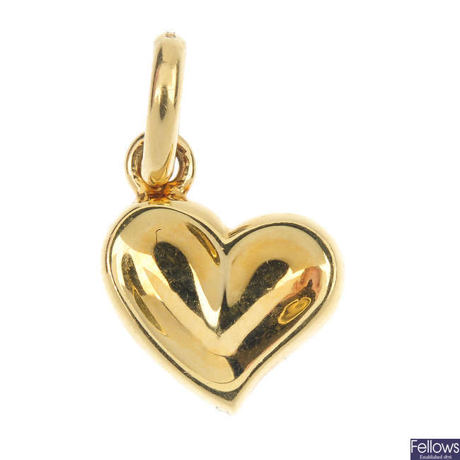 LINKS OF LONDON - an 18ct gold heart pendant.