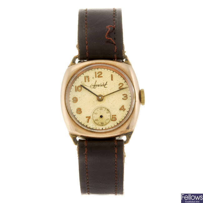 ACCURIST - a gentleman's wrist watch.