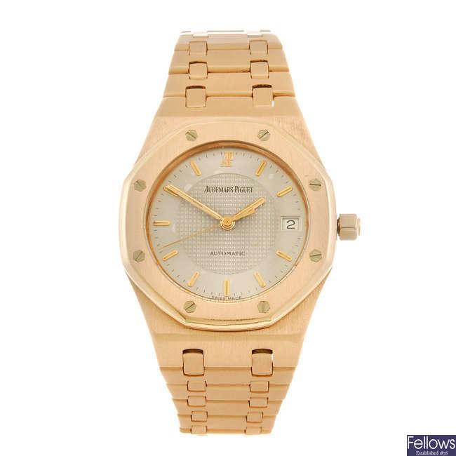 AUDEMARS PIGUET - a gentleman's Royal Oak bracelet watch.