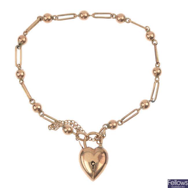 An Edwardian 9ct gold bracelet.