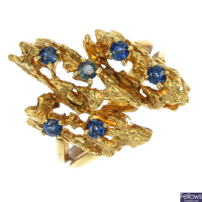 A 1970s 18ct gold sapphire dress ring.