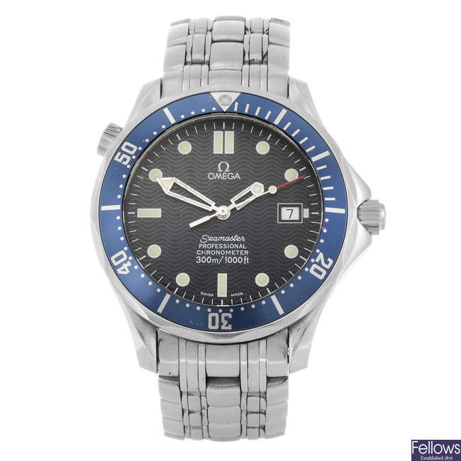 OMEGA - a gentleman's Seamaster Professional bracelet watch.