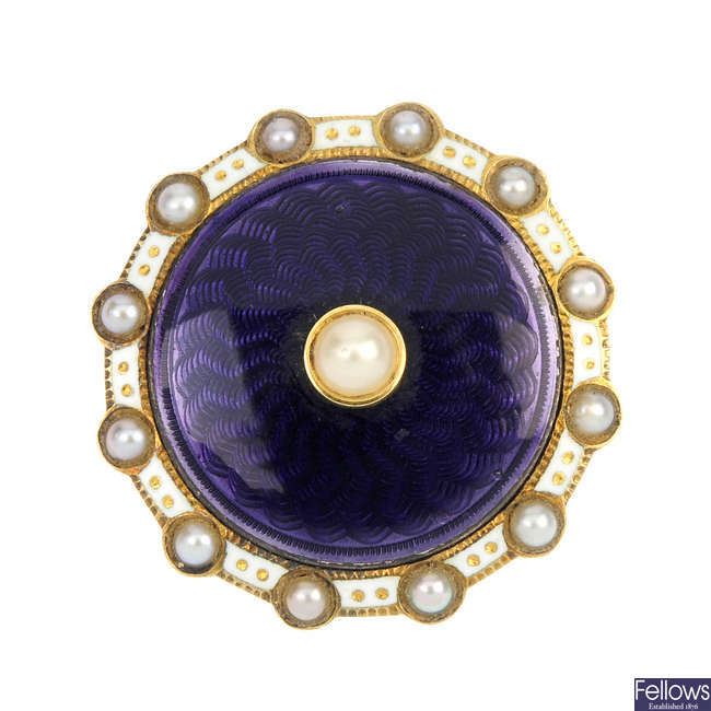 An early 20th century 9ct gold split pearl and enamel pendant.