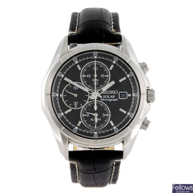 SEIKO - a gentleman's Solar chronograph wrist watch.