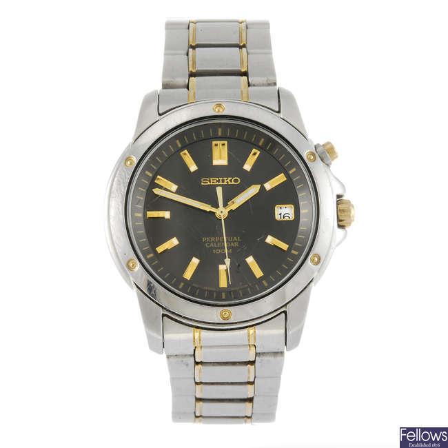 SEIKO - a gentleman's Perpetual Calendar bracelet watch.