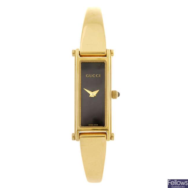 GUCCI - a lady's 1500L bracelet watch.