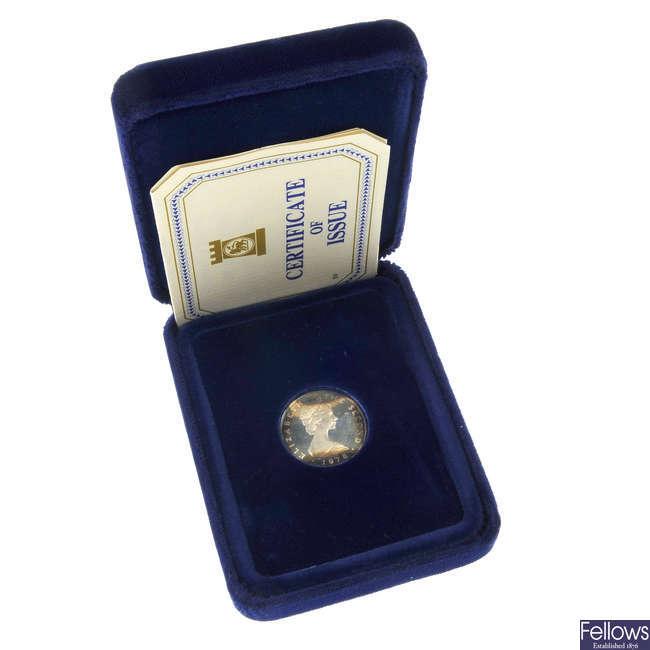 Elizabeth II, Isle of Man, proof One-Pound coin set.