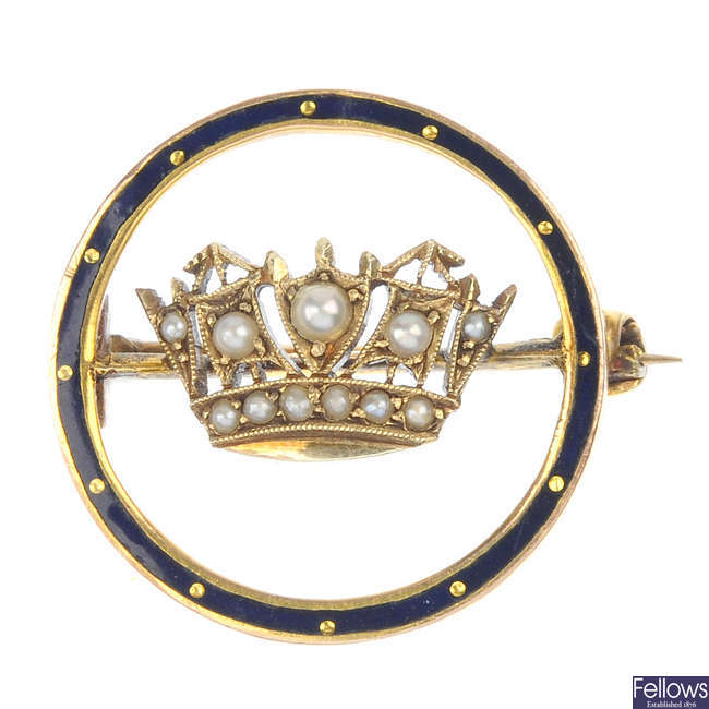An early 20th century 9ct gold split pearl and enamel Naval Crown brooch.