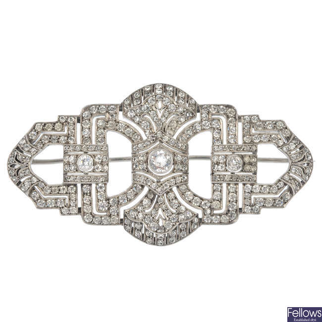 An early 20th century paste brooch.