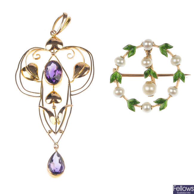 Two early 20th century gold gem-set items of jewellery.