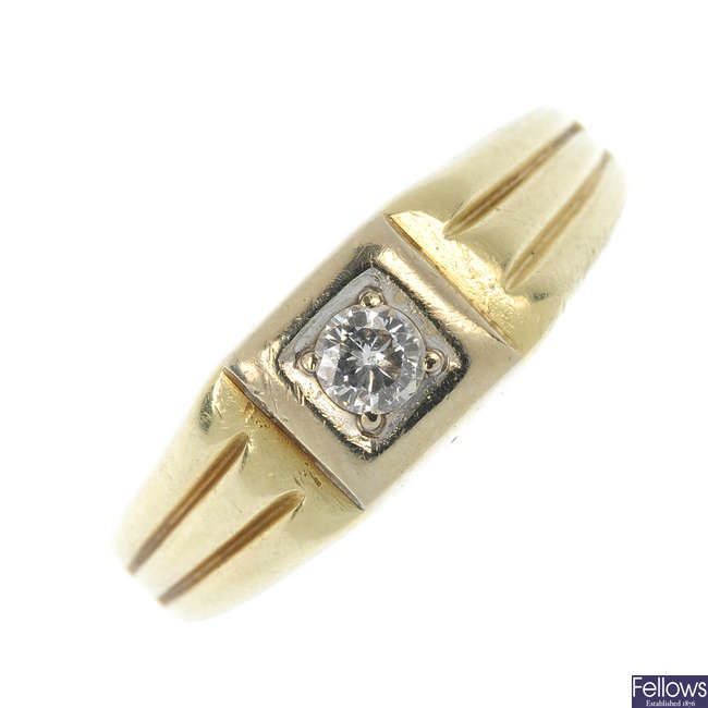 A gentleman's 14ct gold diamond single-stone ring.