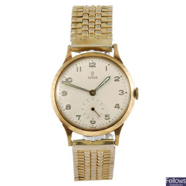 TUDOR - a gentleman's bracelet watch.