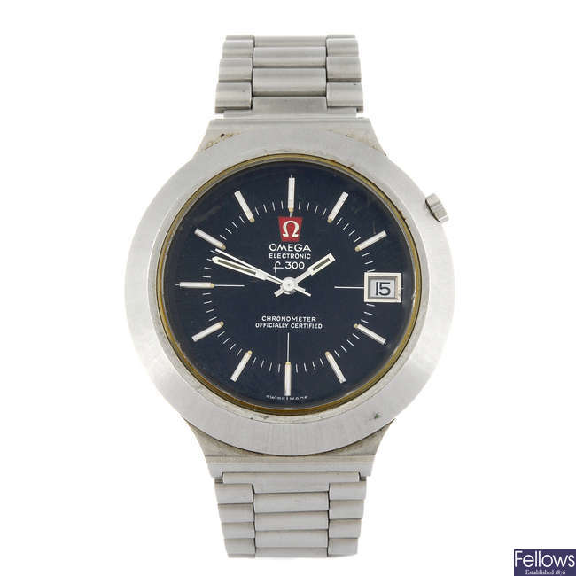 OMEGA - a gentleman's F300 bracelet watch with a gentleman's Omega Megaquartz wrist watch.