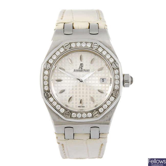 AUDEMARS PIGUET - a lady's Royal Oak wrist watch.