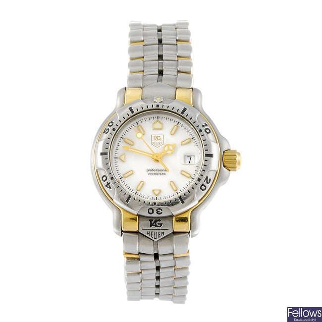 TAG HEUER - a lady's 6000 Series bracelet watch.