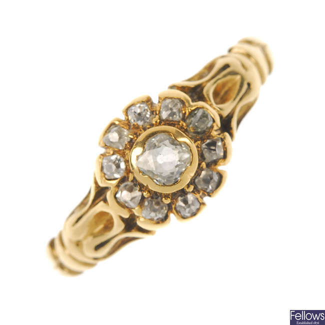 An early 20th century 18ct gold diamond cluster ring.