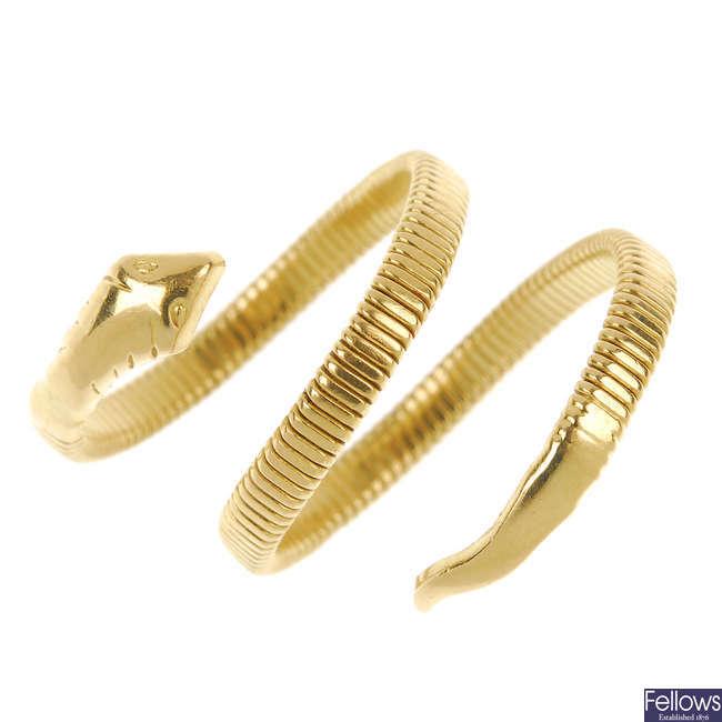 A snake ring.