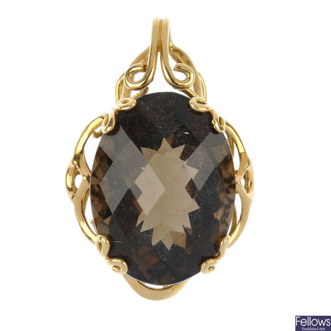 A smokey quartz single-stone pendant.