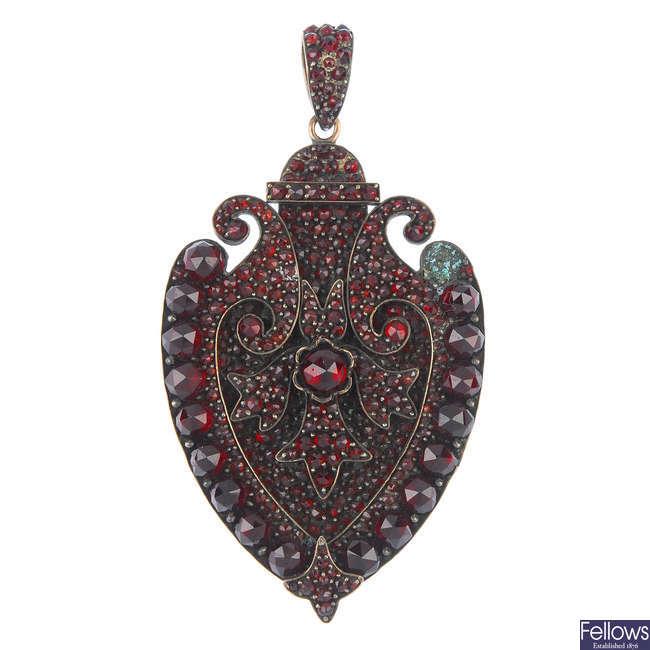 A mid 19th century garnet locket.