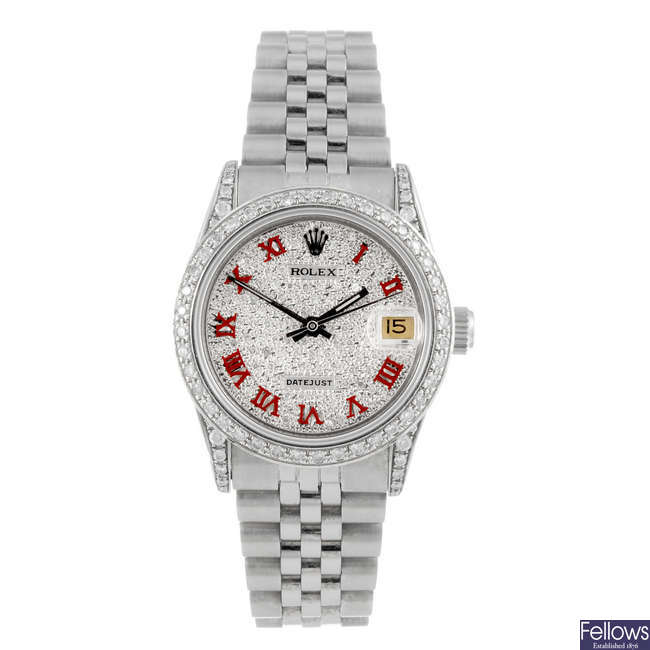 ROLEX - a mid-size Oyster Perpetual Datejust bracelet watch.