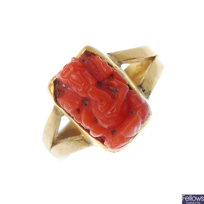 A coral ring.