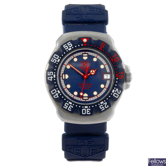 TAG HEUER - a mid-size Formula 1 wrist watch.