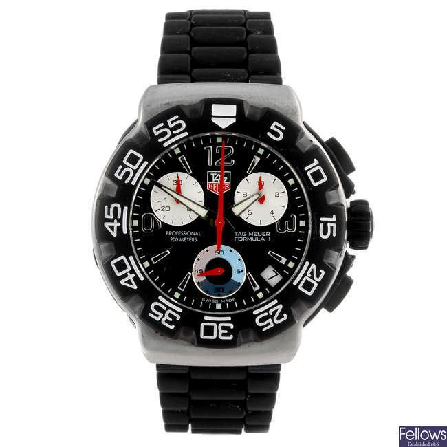 TAG HEUER - a gentleman's Formula 1 chronograph wrist watch.