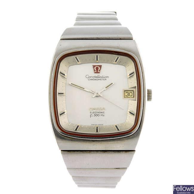 OMEGA - a gentleman's Constellation f300Hz bracelet watch